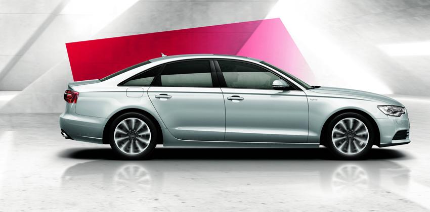 圖2 全新A6 hybrid油電複合動力車完整承襲A6車系流線優美的外型,從著名四柱式車體大器身段、家族化六角形水箱護罩,和不容錯認的極線LED識別燈,皆保有頂級豪華房車獨有的尊貴霸氣。