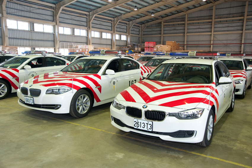 【新聞照片三】於桃園縣楊梅市的汎德 PDI新車整備中心進行交車