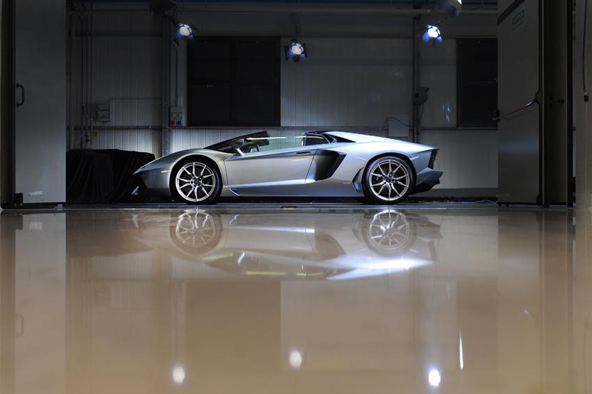Lamborghini Aventador LP700-4 Roadster(3)