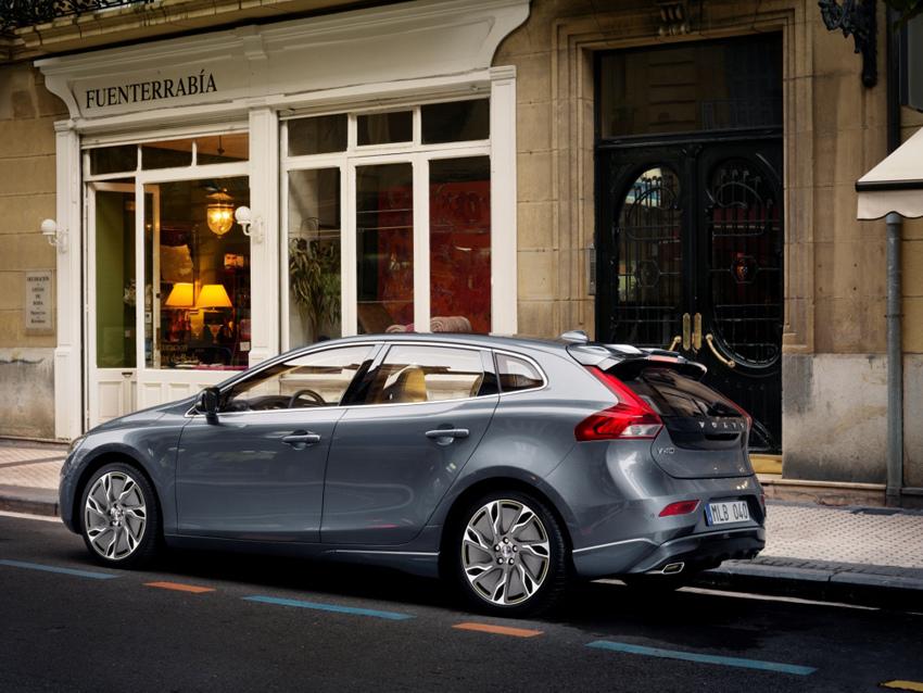 02:國際富豪汽車正式公佈售價,The All-New Volvo V40 以129.9 萬元起的價格開始接單。