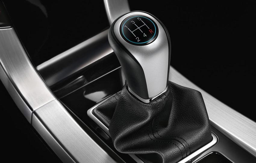 圖6_LUXGEN5 Sedan M+五速手排變速箱