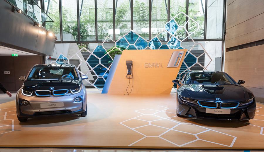 【新聞照片一】全新BMW i3(左)與全新BMW i8(右).jpg