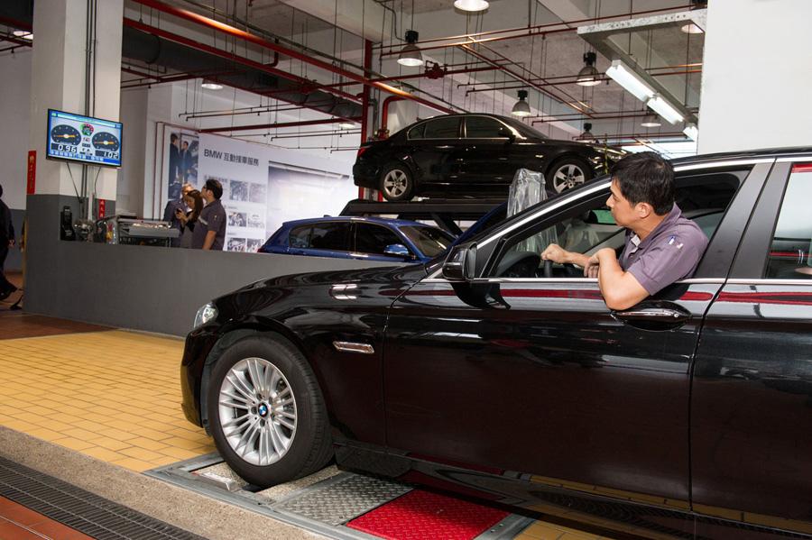 【新聞照片四】BMW總代理汎德公司服務廠採用與BMW德國原廠同步之煞車力測試設備與工法.jpg