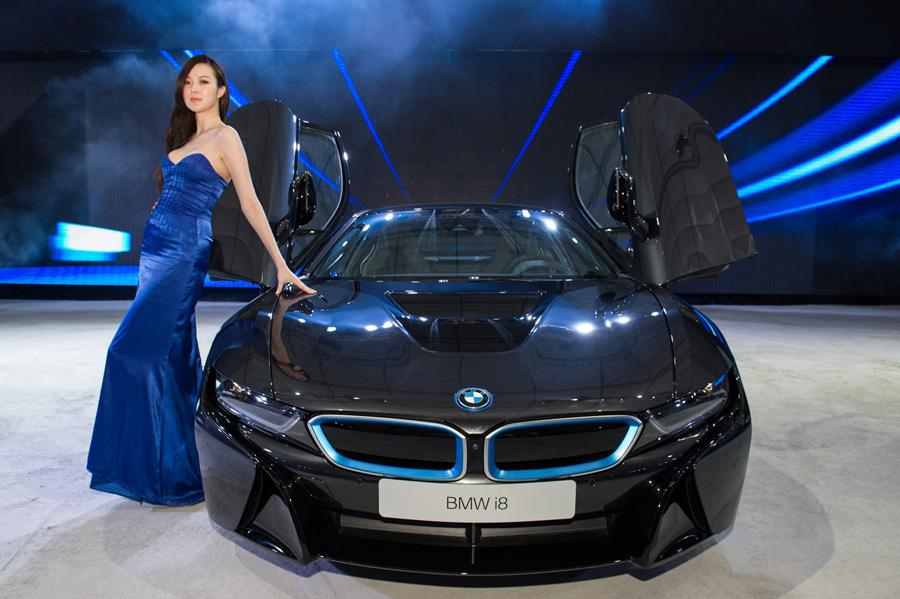 【新聞照片二】BMW i8插電式油電混合動力跑車.jpg
