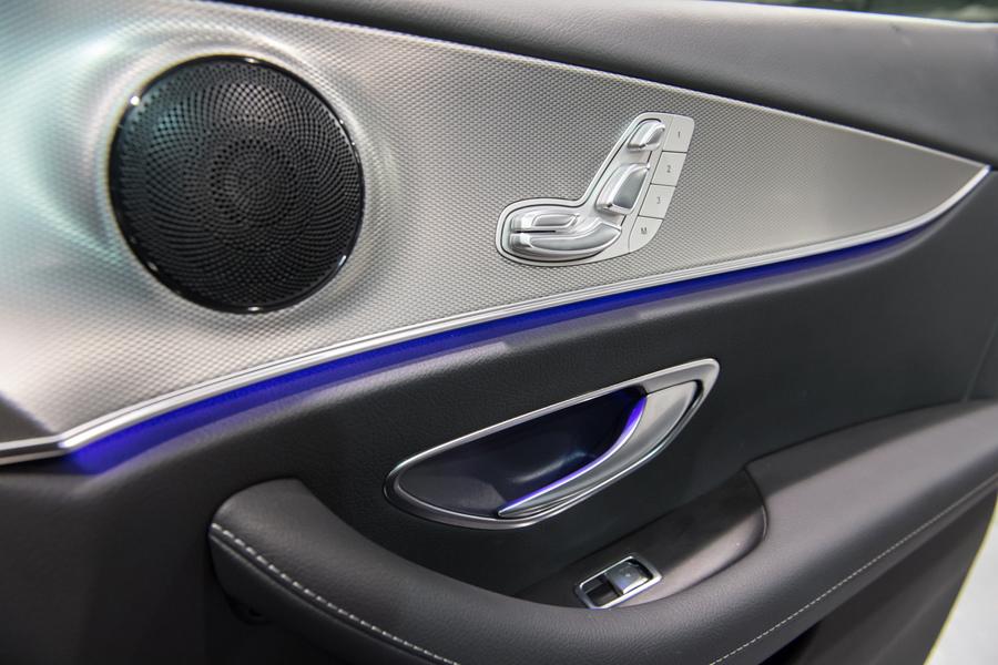 FrontBass重低音喇叭的標準配備,將乘坐舒適度拉高至更高水平.jpg