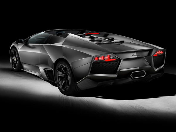 2010-Lamborghini-Reventon-Roadster-Rear-Angle-1024x768.jpg
