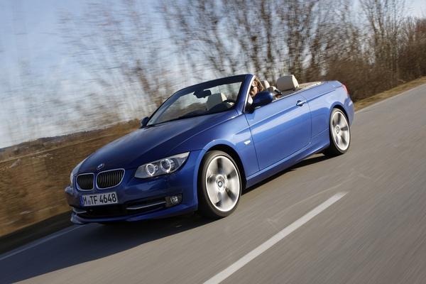 全新改款BMW 3系列硬頂敞篷跑車.jpg