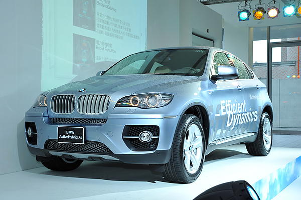 全新BMW_ActiveHybrid_X6_引領全球最動感油電休旅跑車.JPG