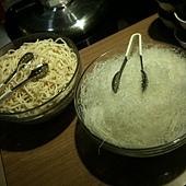 醬料區旁的麵與冬粉