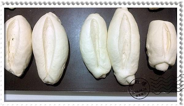 青蔥麵包-劃開發酵.jpg