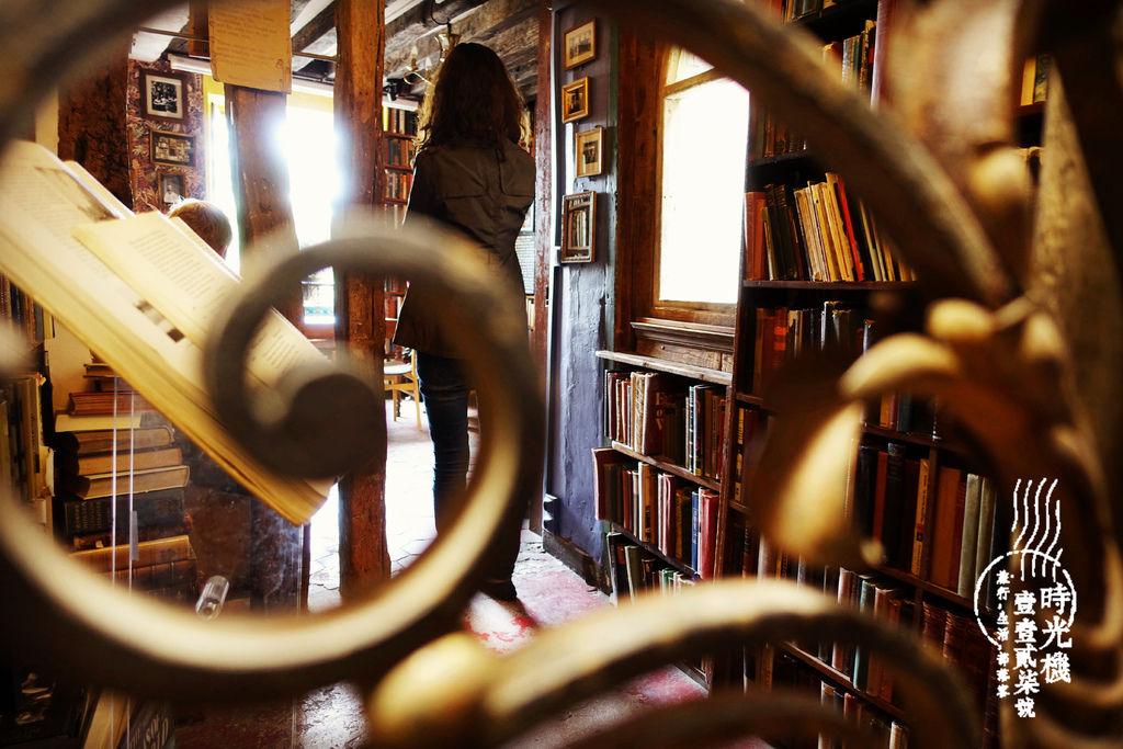 莎士比亞書店 (14).JPG