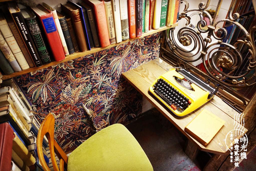 莎士比亞書店 (13).JPG