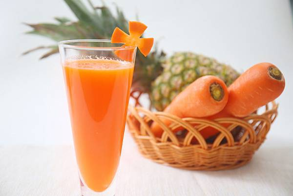 4.7胡萝卜菠萝姜汁.JPG