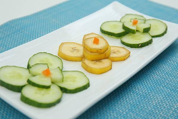 6.6 黄瓜香蕉泥.JPG
