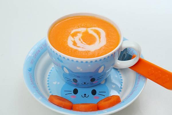 6.10奶香胡萝卜汁.JPG