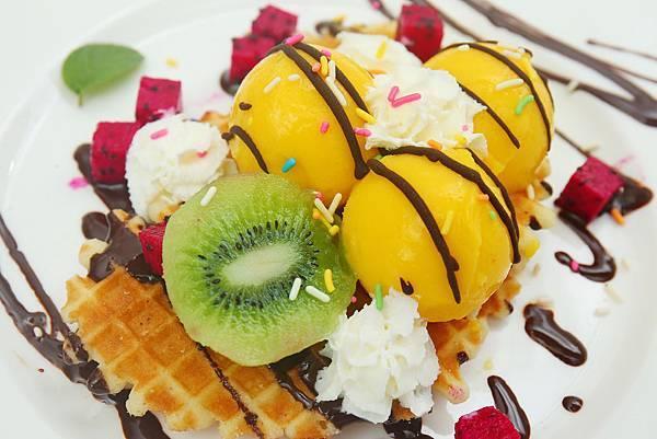 8.9芒果冰淇淋.JPG