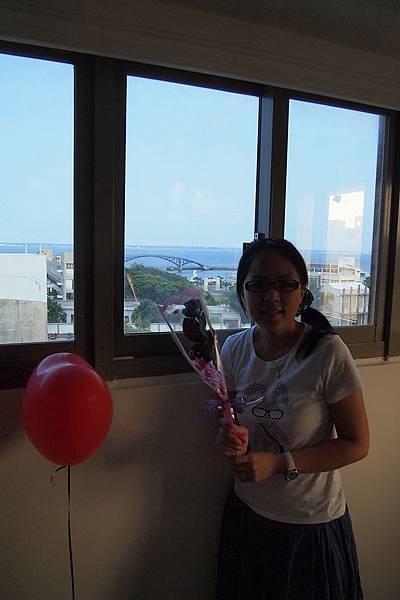 02. 窗外是彩虹橋.JPG