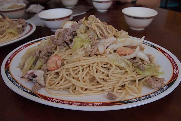 30. 料多味美的炒麵.JPG