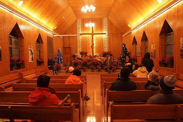 069. 溫暖的教堂.JPG