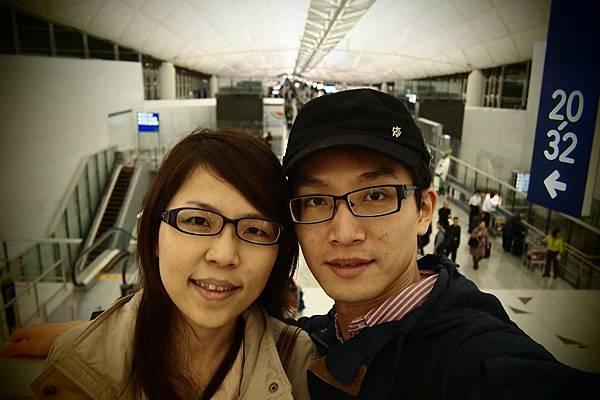 20121206-006. 第一次一起出國