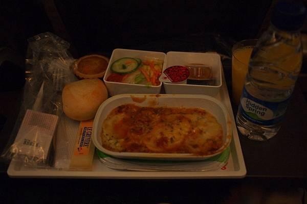 20121206-010. 華航飛機晚餐