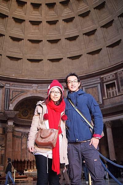 20121208-018. 萬神殿內景