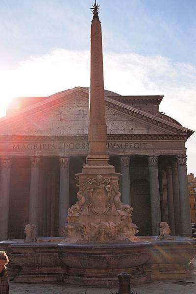20121208-024. 萬神殿