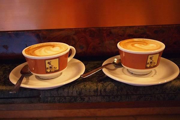 20121208-021. 金杯咖啡