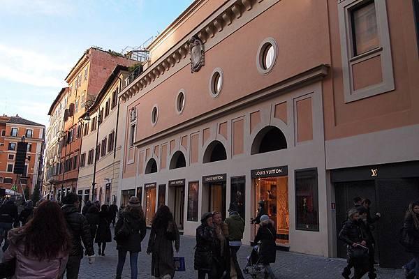 20121208-039. 全球首個 LV 戲院在羅馬