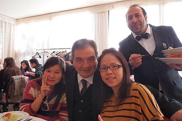 20121209-006. 餐廳老闆