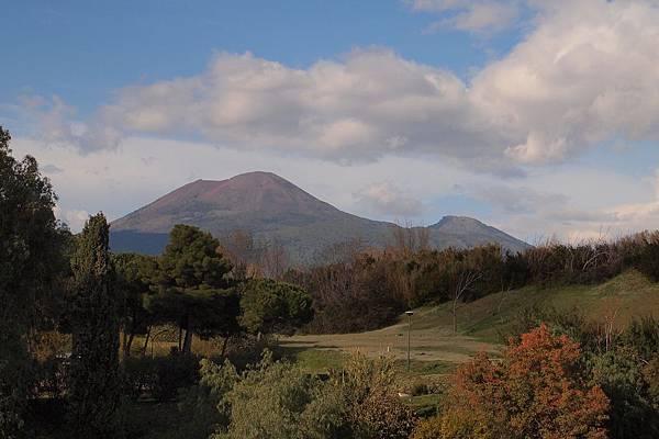 20121209-008. 維蘇威火山及蘇瑪火山