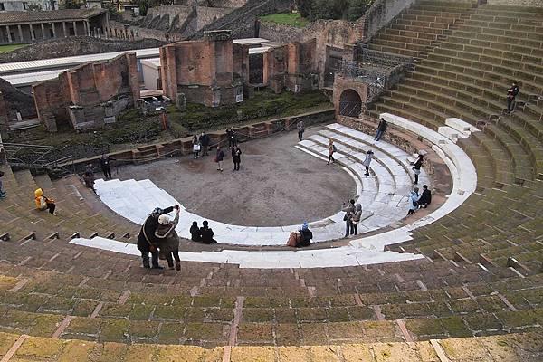 20121209-024. 圓形劇場