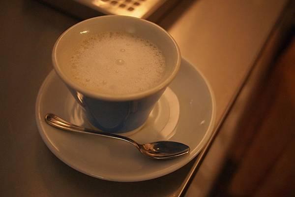 20121209-040. 寒冬中的熱咖啡