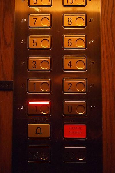 20121211-004. 到-1樓吃早餐