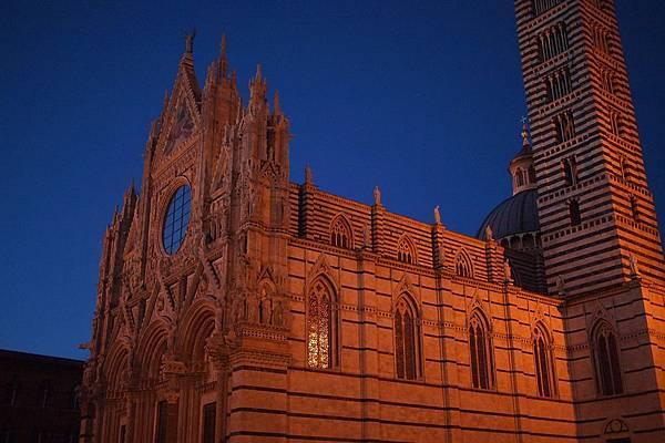 20121211-041. 多摩大教堂
