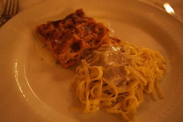 20121211-056. 頗鹹的義大利麵