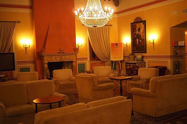 20121211-061. 托斯卡尼莊園大廳