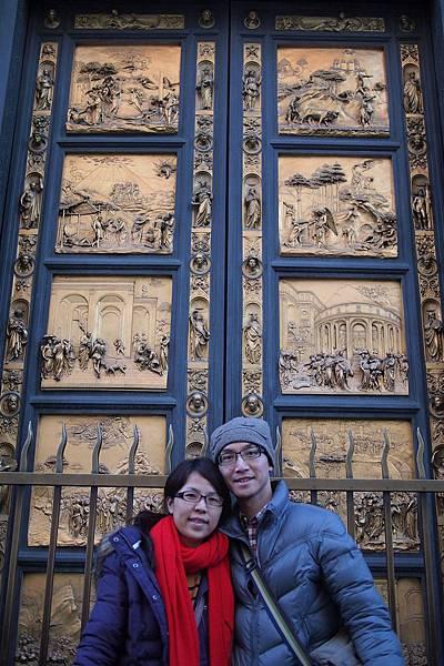 20121212-048. 洗禮堂的銅門是吉貝爾蒂的作品「天國之門」