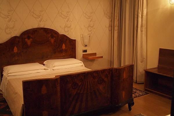 20121212-067. 真的是有歷史的飯店