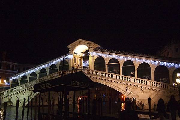 20121212-073. 里阿爾托橋,是義大利威尼斯3座橫跨大運河的橋樑之一