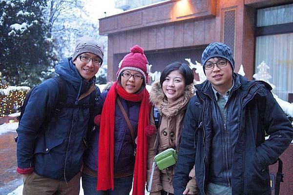 20121215-011. 本團年紀最小的夫妻檔