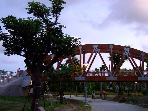 10. 鐵橋.JPG