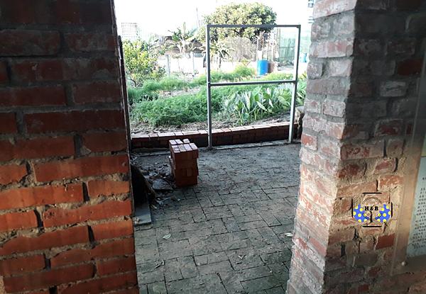 孵化BAR:戶外砌磚(施工)