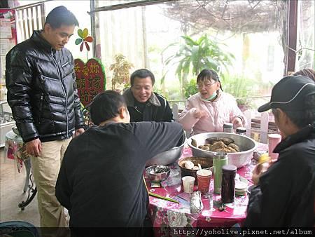 2011-12-11-12-42_83.jpg