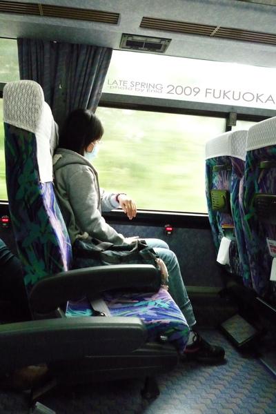 往湯布院的高速巴士上