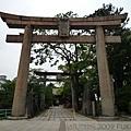 八阪神社的鳥居們