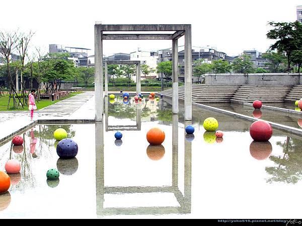 戲水區球體ByYOKO