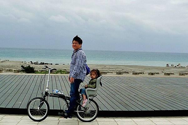 海邊風大,遊客稀少