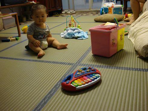 家裡客廳也弄成無障礙玩小孩空間