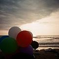 有一個假氣球XD